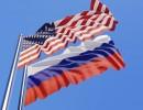 علم أميركي و روسي
