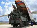 """عملية نفريغ شحن طائرة روسية تحمللا أجزاء من منظومات """"إس-400"""" في تركيا"""