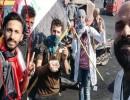 يوسف ستار أثناء مشاركته في احتجاجات بغداد