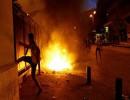 شاهد : جرحى في اشتباكات بين محتجين وقوات الأمن في بيروت