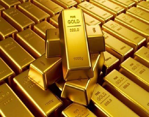 الذهب يتراجع مع ارتفاع الدولار