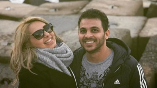 هكذا احتفل محمد رشاد بخطيبته – بالفيديو