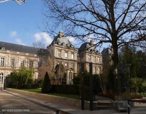 مجلس الشيوخ الفرنسي يصوت على حظر العبادة داخل الجامعات