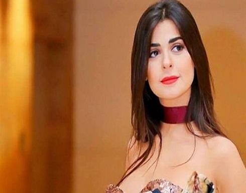 فستان جينز قصير.. رانيا منصور تبهر الجمهور بإطلالة جريئة.. شاهد
