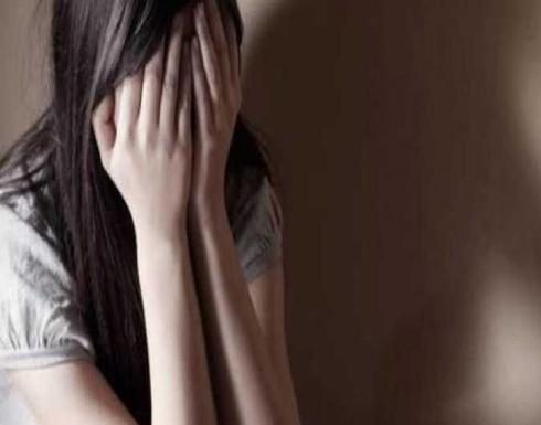 """مبتز ينشر صور فتيات عربيات في مواقع """" مخلة """".. ومطالبات بالقبض عليه"""