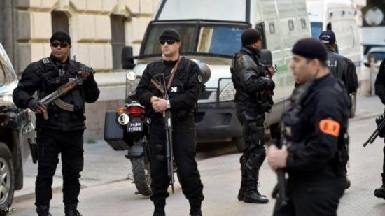 """الجزائر تصدر مذكرات توقيف بحق متهمين بـ""""الإرهاب"""""""