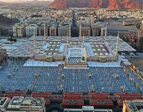 بالصور.. شاهد الالتزام المجتمعي في المسجد النبوي