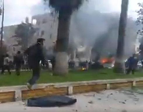 بالفيديو : انفجار سيارتين مفخختين بإدلب السورية