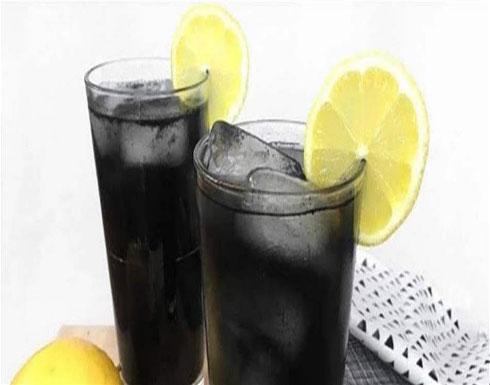 تساعد على التخلص من الكرش.. تعرّفوا إلى الليموناضة السوداء