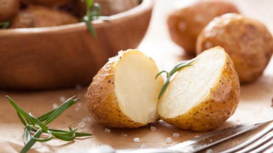 الإكثار من البطاطا يرفع ضغط الدم