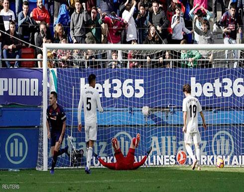 بثلاثية مذلة.. ريال مدريد يتلقى أول صفعة تحت قيادة سولاري