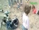 """بالفيديو شاهد: هذا حال اللاجئين السوريين العالقين على الحدود الجزائرية المغربية بعد """"طردهم"""""""