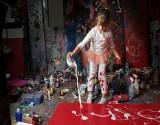 """بالصور: طفلة تحصل على لقب """"خليفة بيكاسو"""" لموهبتها في الرسم"""