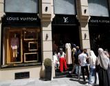 مصائب الليرة التركية تصب في صالح السياح