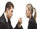 دراسة صادمة: النساء أكثر تحملاً للألم من الرجال