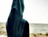 بالفيديو : ممثلة عربية تكشف عن نيتها خلع الحجاب
