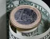 هبوط لليورو أمام الدولار بسبب مخاوف دويتشه بنك