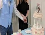 بالصور : زواج فتاة عمرها 19 عاما من ستيني يثير سخرية مواقع التواصل