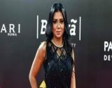 """رانيا يوسف تحيّر الجمهور.. إطلالة """"كاجوال"""" ولكن (صورة)"""