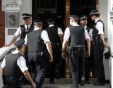 طفلة بريطانية عجزت عن حل واجبها المدرسي.. فاتصلت بالشرطة لتنجدها