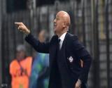 فيروس كورونا يطيح أول مدرب كرة قدم في أوروبا