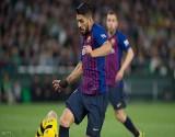 برشلونة يحدد فترة غياب نجمه سواريز