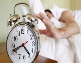 هل تستيقظ قبل المنبه اليومي بدقائق؟.. اعرف السبب