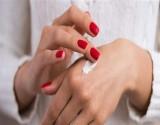 مشاكل صحية تكشفها أصابع اليدين.. وفي هذه الحالة سارع إلى الطبيب!