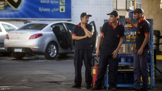 """مصر تكشف """"خطة"""" التعامل مع دعم الوقود"""