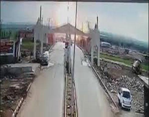 بالفيديو :  لحظة تفجير سيارة مفخخة عند الحدود السورية التركية