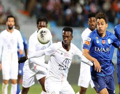 بالصور: الهلال يتعادل مع الشباب ويفقد صدارة الدوري السعودي