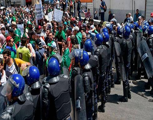 بالفيديو : الجزائر.. تظاهرة طلابية ضد رموز نظام بوتفليقة