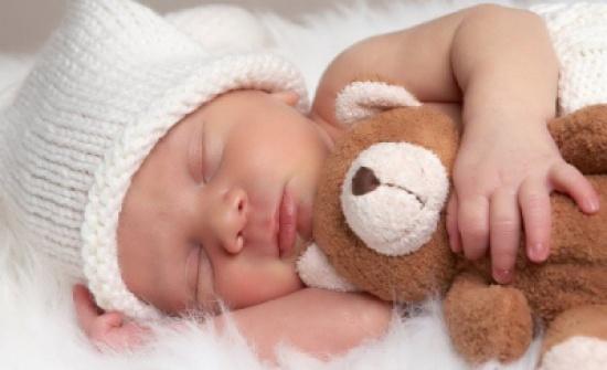 5 طرق سحرية لتنويم الطفل سريعا