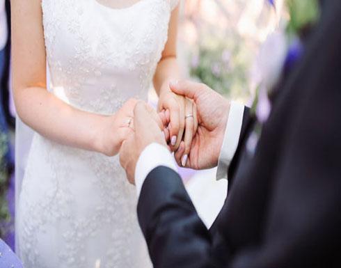 لحظة وفاة عريس خلال رقصة مع عروسه بحفل زفاف (فيديو)