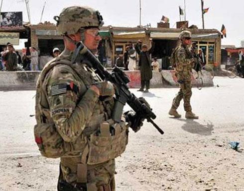 جندي أفغاني يفتح النار على مجموعة من الجنود الأمريكيين ويقتل أحدهم