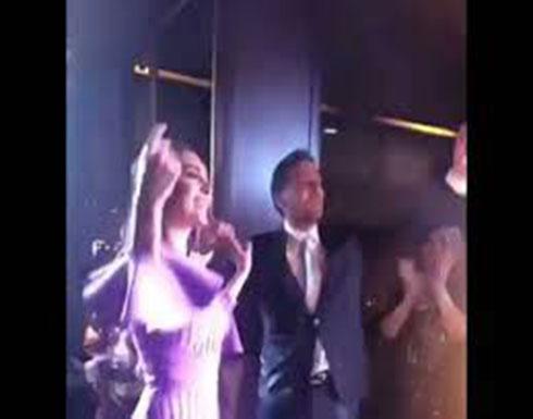 """بالفيديو - ملكة جمال لبنان ونجمة """"الهيبة"""" ترقص في خطوبتها"""