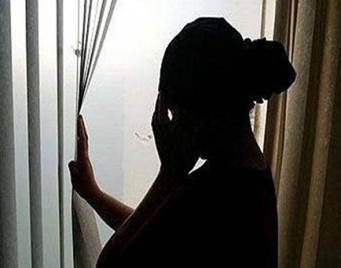 الزوجة  : زوجي طلب مني خلع ملابسي أمام ابني و هذا ما فعله بعدما رفضت !