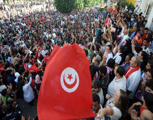 اتفاق بين حكومة الشاهد والنقابة ينهي أزمة التعليم الثانوي في تونس 
