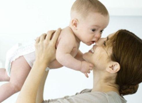 5 عبارات تجنب قولها لطفلك عندما يبكي