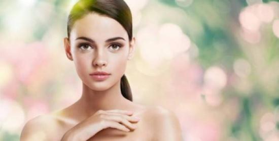 وصفة طبيعية لإزالة التجاعيد وشد الوجه.. اكتشفيها!