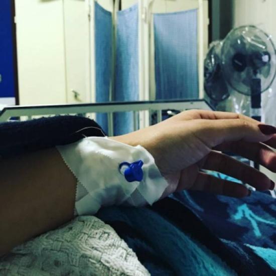 بعد قصة إنفصالها عن خطيبها.. نقل فنانة مصرية إلى المستشفى
