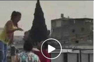 بالفيديو - لبنانية تحاول الانتحار هربا من عائلتها التي تريد قتلها دفاعا عن شرفهم