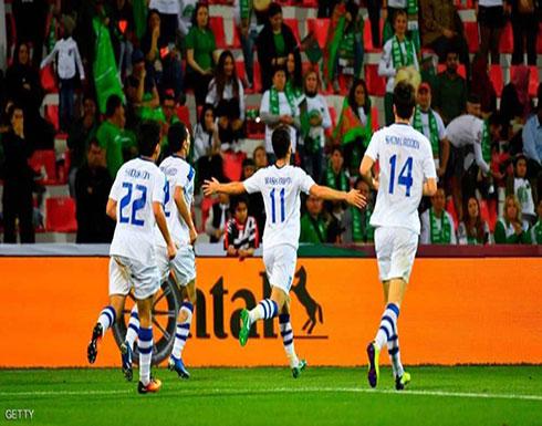 شاهد :  أوزبكستان تتأهل إلى ثاني أدوار كأس آسيا