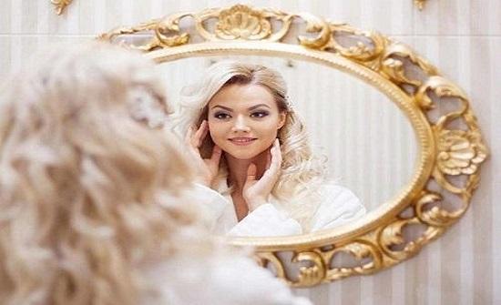 صفات المرأة النرجسية