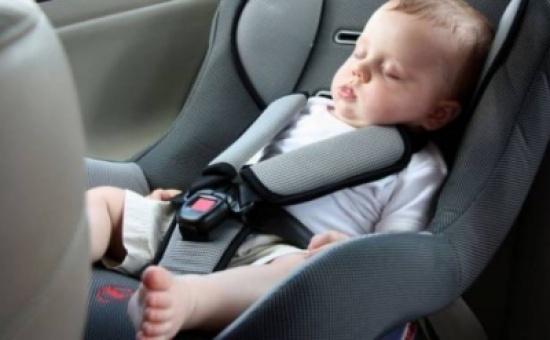تحذير من استخدام حديثي الولادة لمقاعد السيارات لأكثر من نصف ساعة.. إليكم الاسباب!