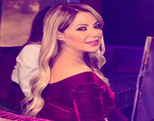 صورة : نجمة باب الحارة لطفية ترتدي فستان ازرق  و تحدث ضجة في أوساط متابعيها