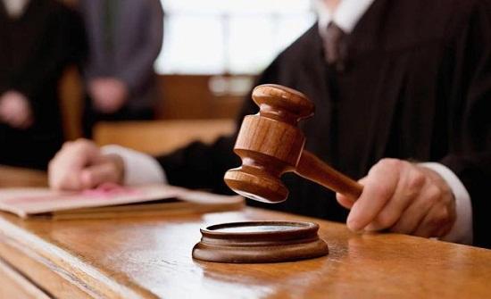 السجن 15 عاما لشاب واقع فتاة قاصر في عمان