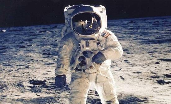 """بعثة روسية إلى القمر و""""تحقيق"""" بهبوط الأميركيين عليه"""