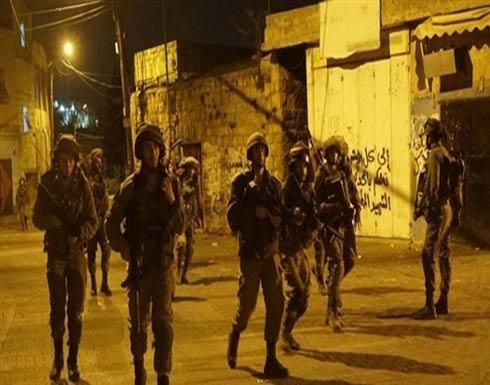 الاحتلال الإسرائيلي يشن حملة مداهمات واعتقالات في الضفة الغربية