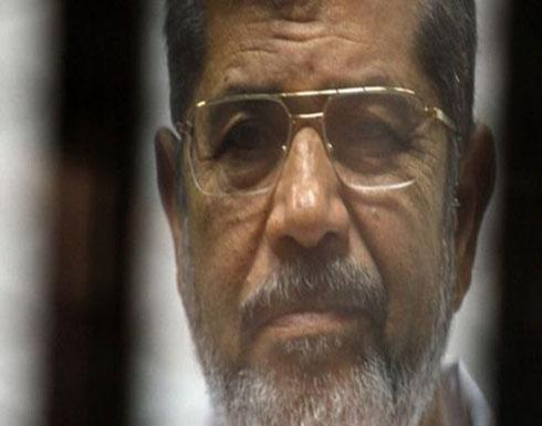 محامي مرسي: لا نعلم مكانه ونتابع إجراءات ما بعد الوفاة